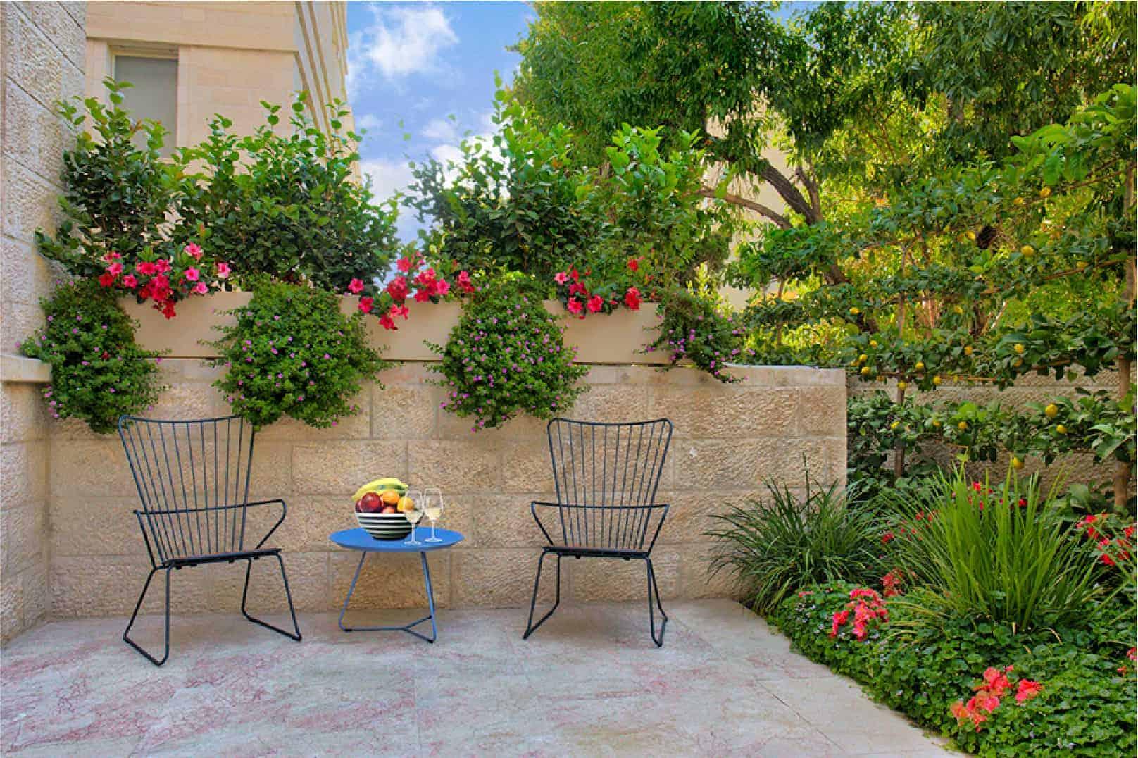 outdoor patio park 8 jerusalem